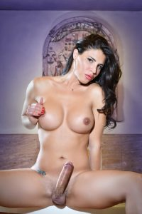 live-shemales-cams-sexy-39
